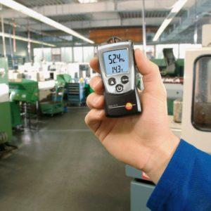 Термогигрометр Testo 610 в работе