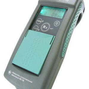 ИС-10 (базовая комплектация) — измеритель сопротивления заземления – вид сбоку